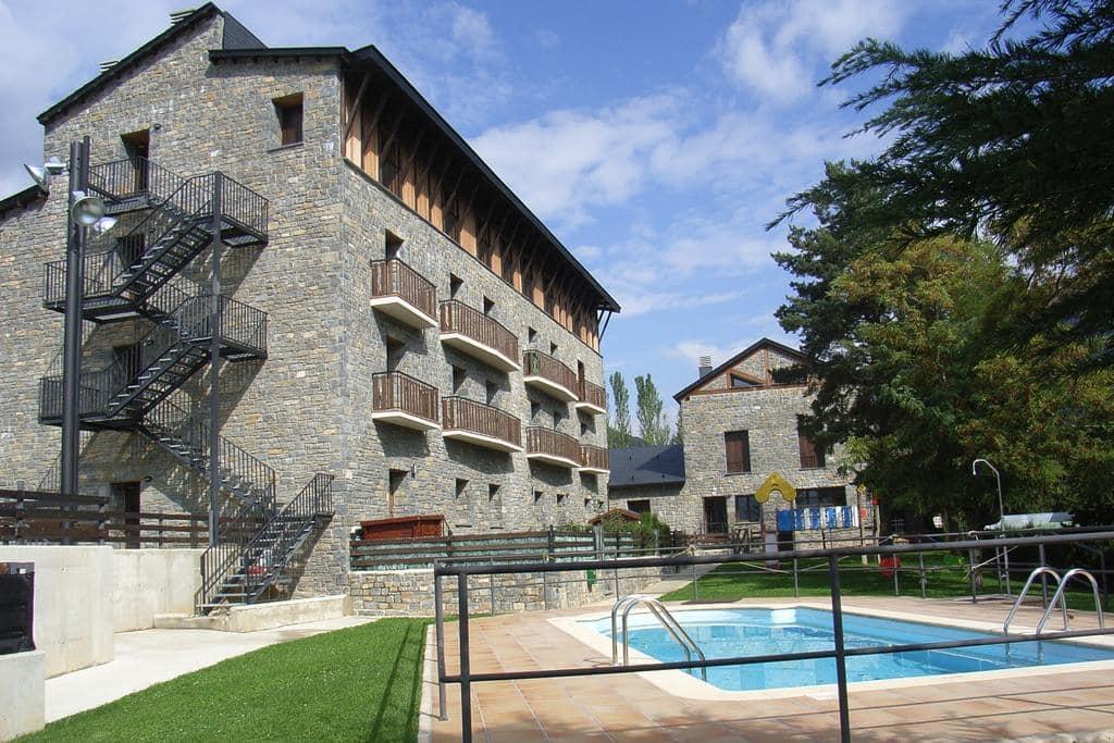 3 planes primaverales en Villanúa de Gállego - Reserve su estancia en Roca Nevada Resort