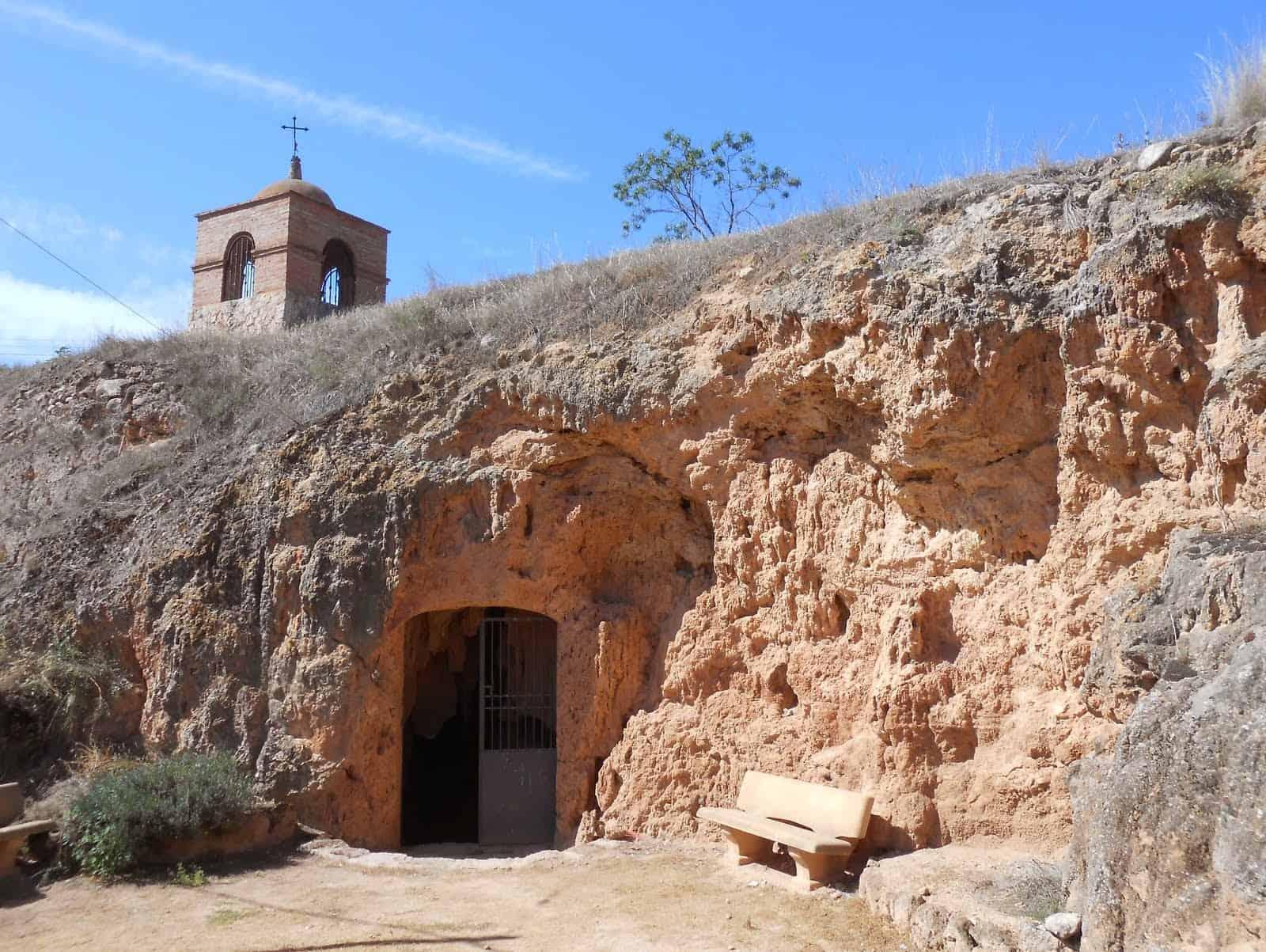 La Cueva de las Güixas en Villanúa – Un paraíso subterráneo